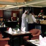 В ОАЭ законодательно запретили чаевые