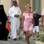 В ОАЭ недовольны одеждой туристов