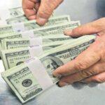 Дубайские полицейские нашли 70 000 долларов в мусорном баке