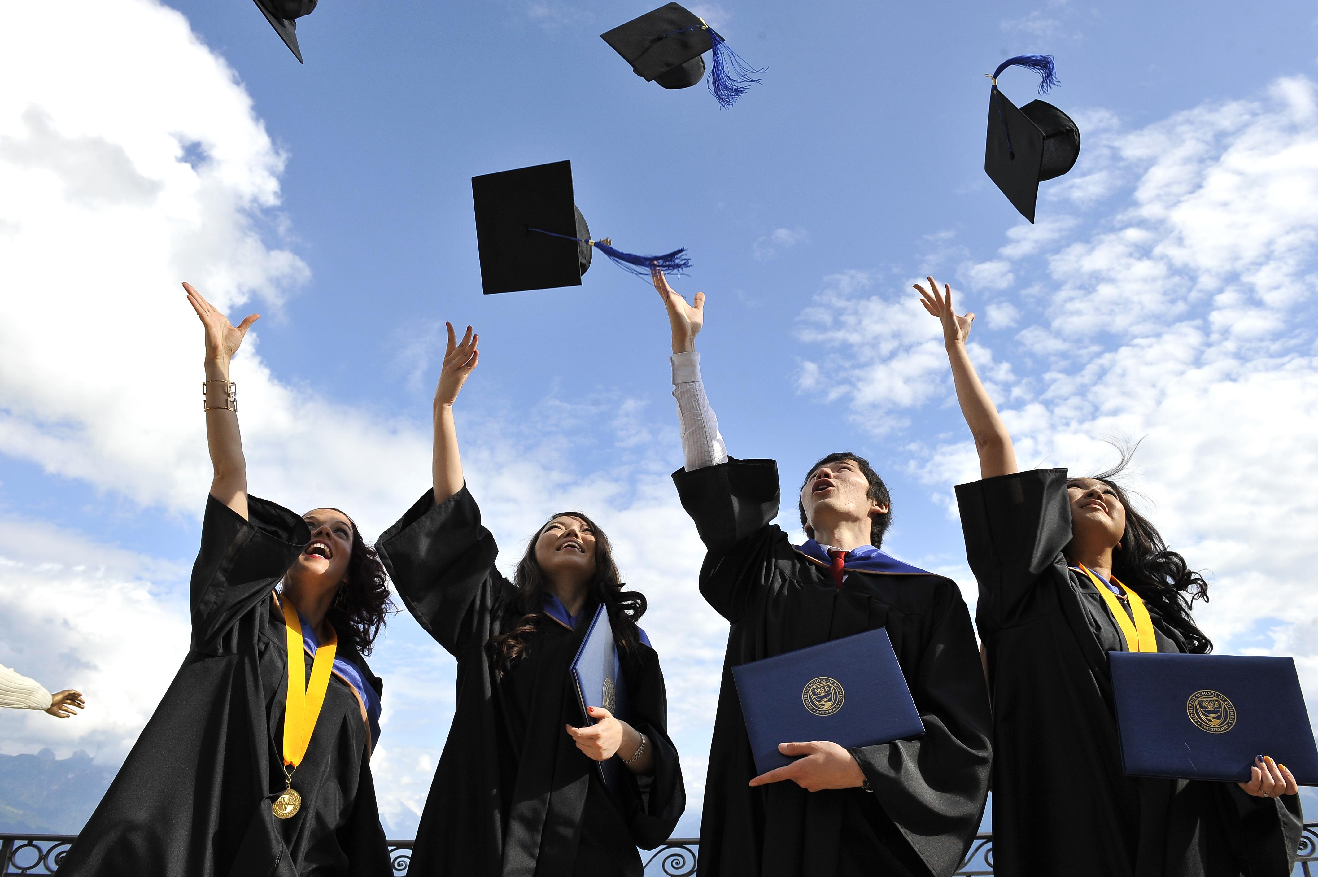 Почему выгодно учиться за границей и в особенности в ОАЭ  Почему выгодно учиться за границей и в особенности в ОАЭ