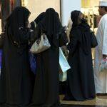 Как одеваются женщины в ОАЭ